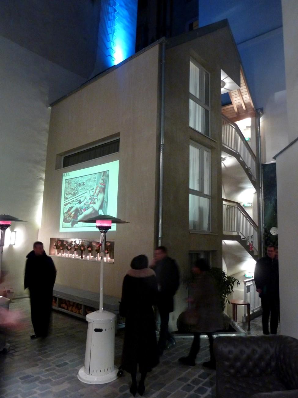 hotel jules et jim cour int rieure paris rue gravilliers 3e. Black Bedroom Furniture Sets. Home Design Ideas