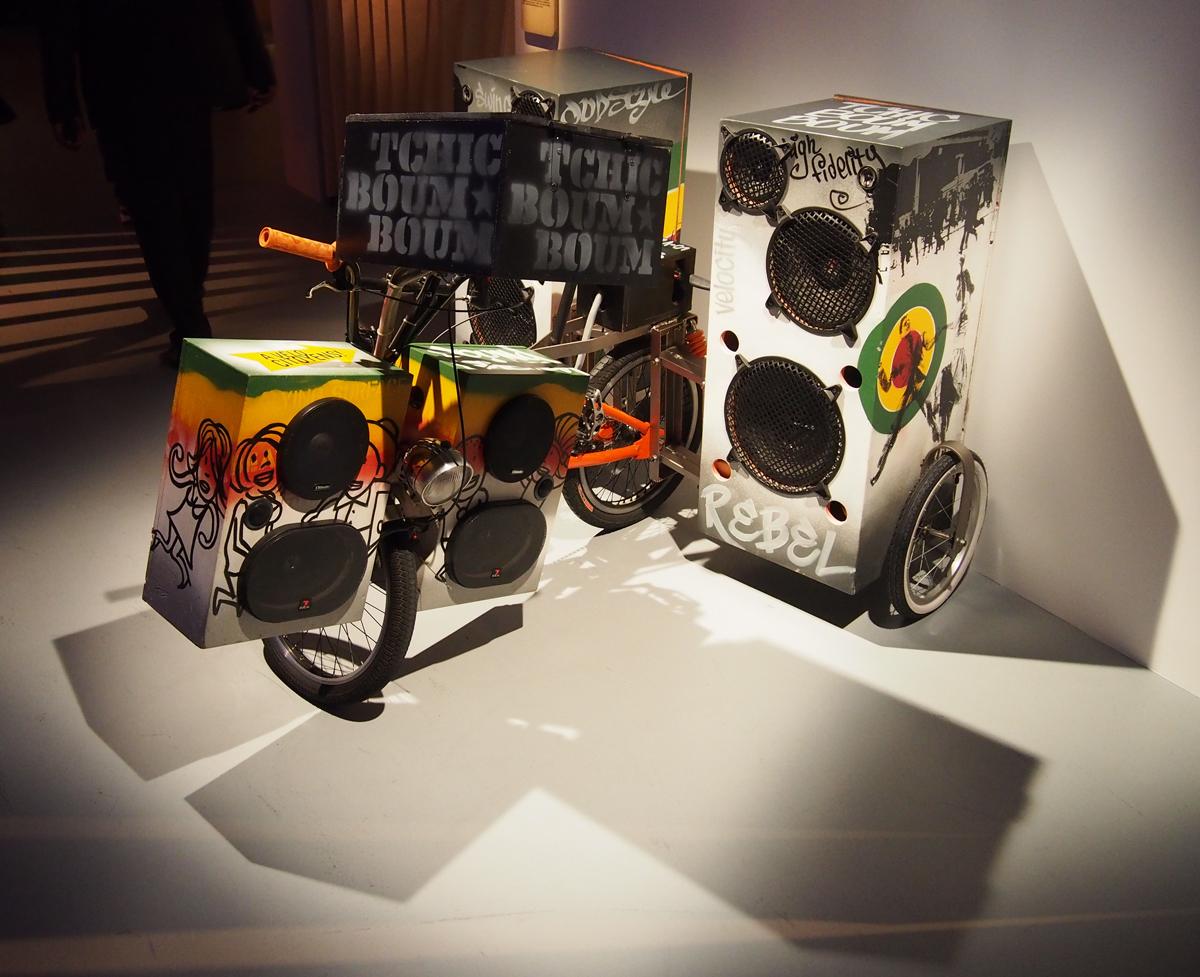 Tchic boum boum by la boite outils 2010 v lo bmx mat riel hi fi exposition exhibition - Boite a outils velo ...
