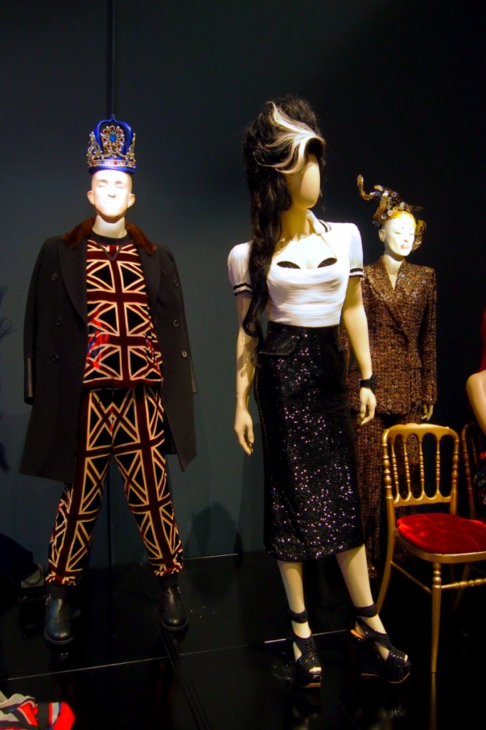Tribute-to-Amy-Winehouse-women-haute-couture-spring-summer-collection-The-Fashion-World-of-Jean-Paul-Gaultier-London-exhibition-Barbican-Centre-exposition-Londres-photo-by-United-States-of-Paris-blog