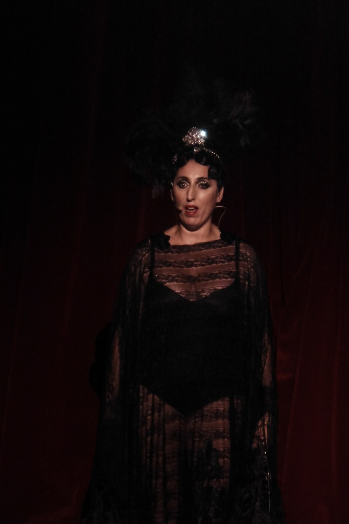 Rossy de Palma invitée guest Cabaret New Burlesque spectacle Cirque d'Hiver Paris Festival Ile de France blog United States of Paris
