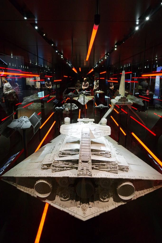 SAMSUNG CAStar Wars Identites cité du cinéma Paris la Sucrière Lyon exposition interactif évènement expo critique guerre des étoiles force jedi combat espace tie fighter