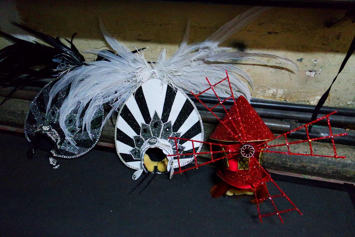 Chapeaux-Costumes-de-scène-par-Frédéric-Olivier-coulisses-de-Mistinguett-reine-des-années-folles-spectacle-musical-comédie-création-Casino-de-Paris-photo-by-United-States-of-Paris-blog