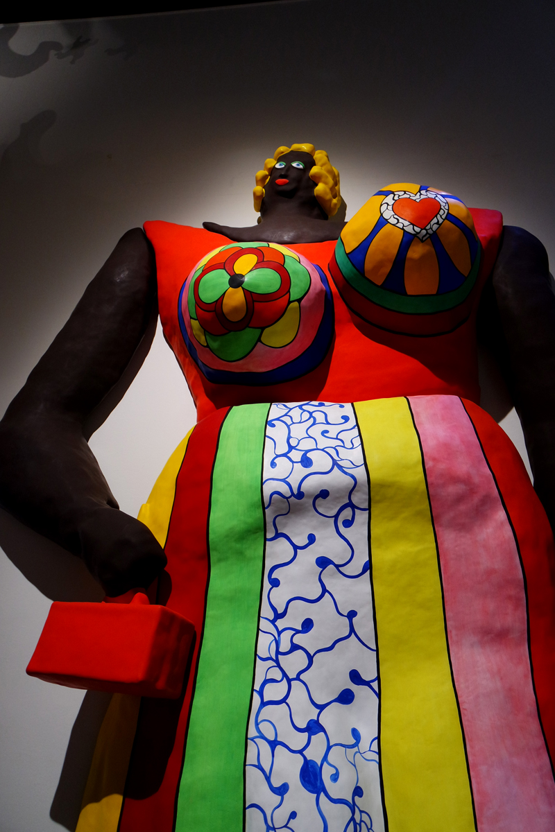 Dolorès-1966-1995-nana-by-Niki-de-Saint-Phalle-Hanovre-Sprengel-Museum-exposiiton-rétrospective-Grand-Palais-photo-by-United-States-of-Paris-blog