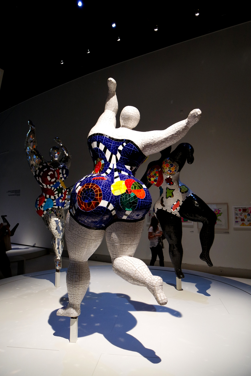 Les-Trois-Grâces-1995-2003-nanas-by-Niki-de-Saint-Phalle-Santee-Niki-Charitable-Art-Foundation-exposition-rétrospective-Grand-Palais-photo-by-blog-united-states-of-paris-blog