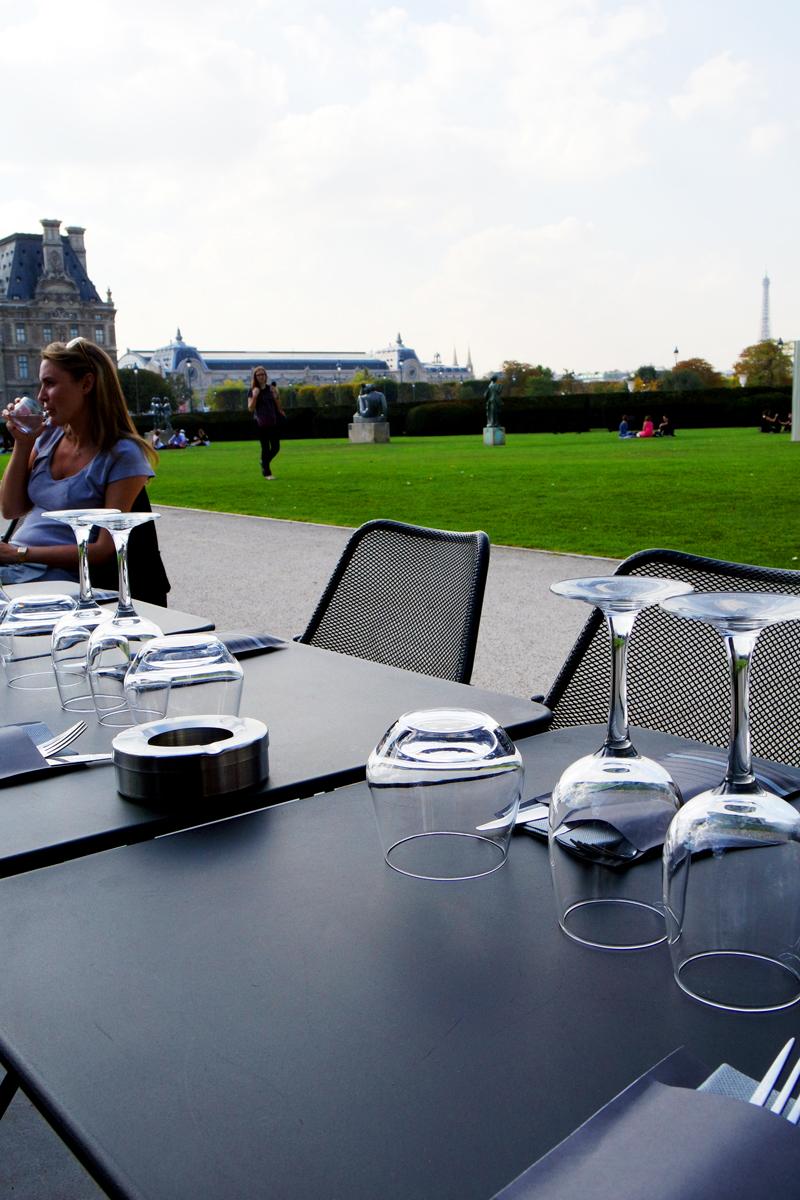 Petit palais niki de saint phalle mistinguett 2cv la for Cuisine qui donne sur le jardin