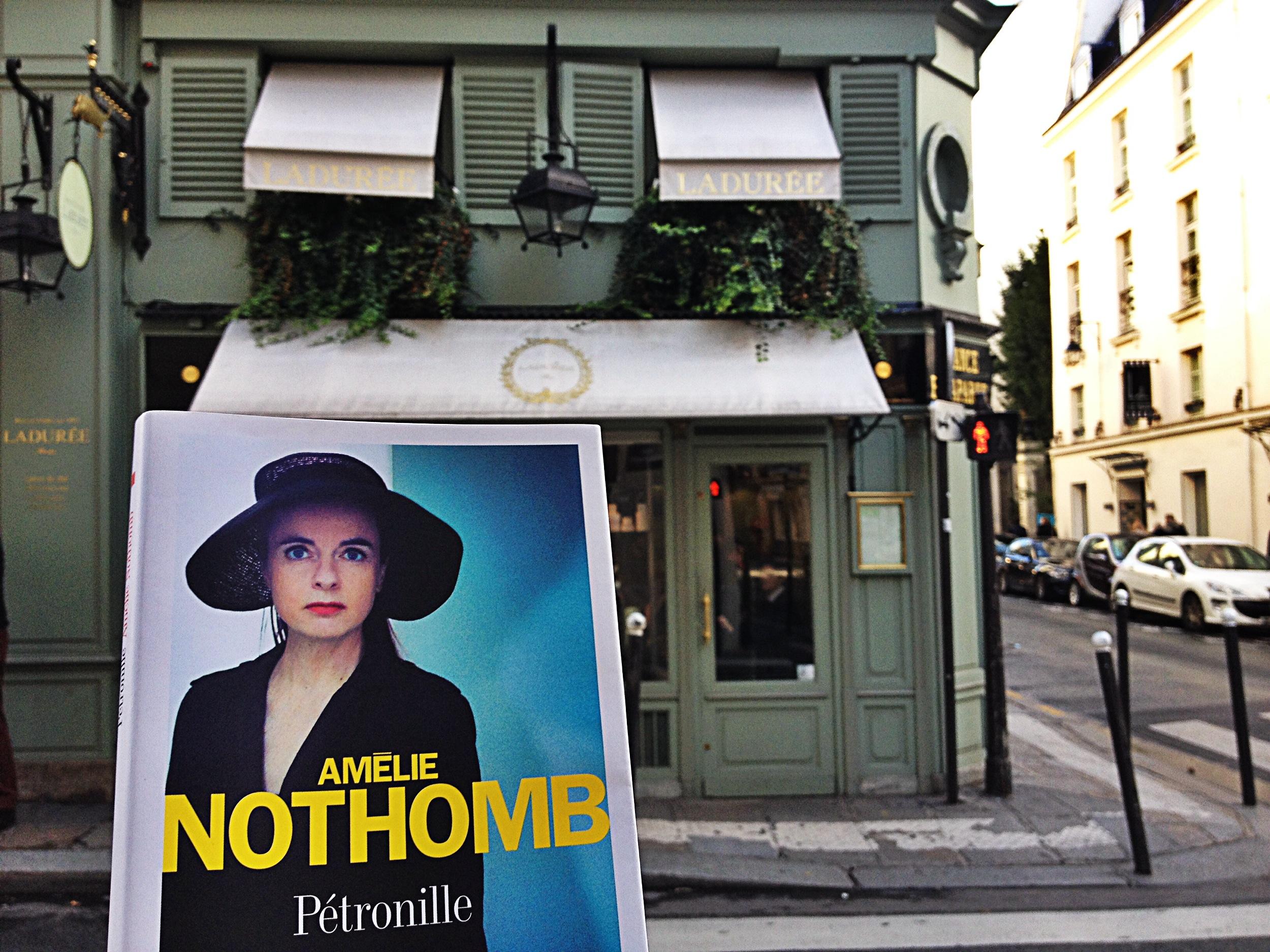 Amélie Nothomb nouveau roman Pétronille rencontre dédicace Ladurée anniversaire Fnac 60 ans photo by United States of Paris blog