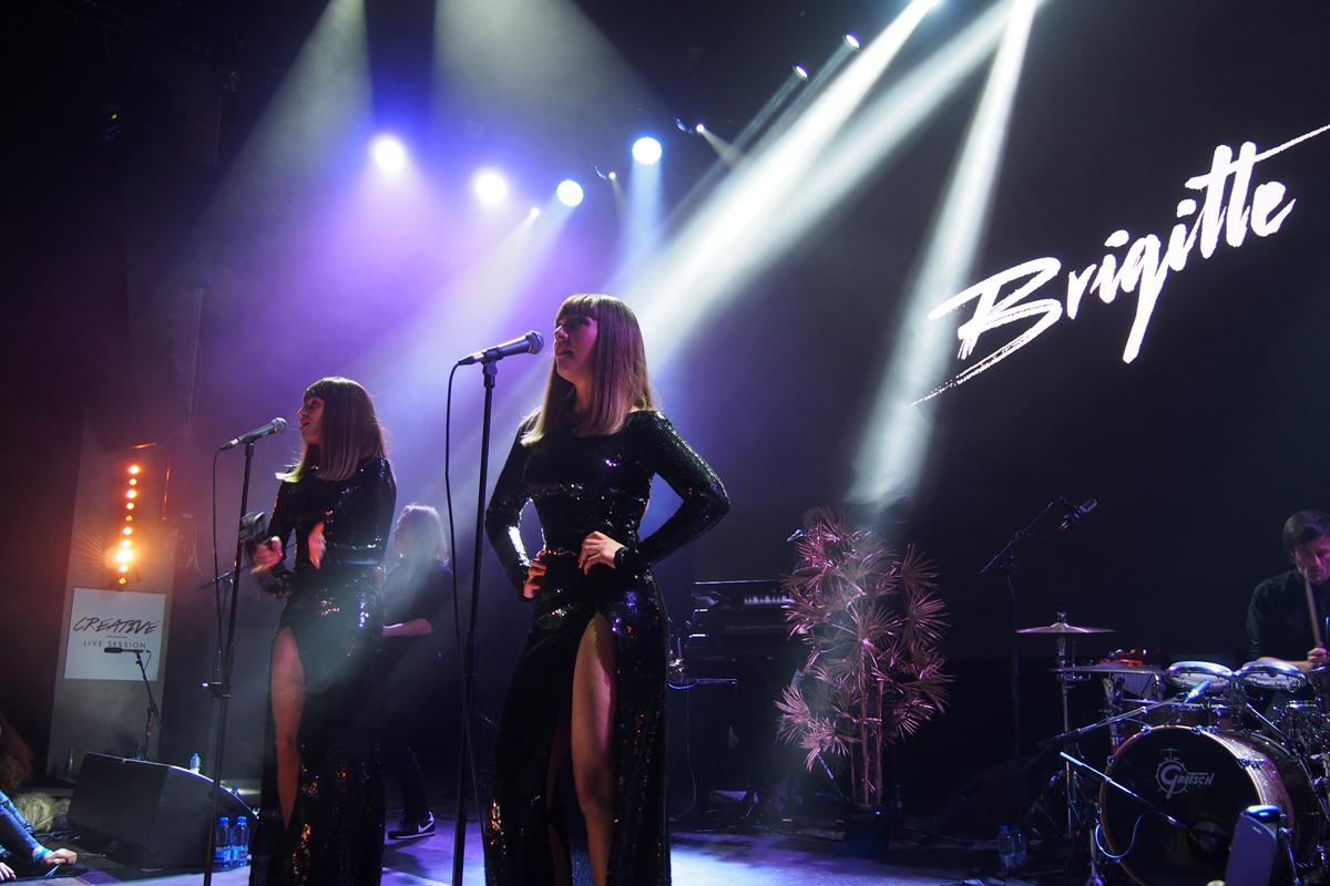 Brigitte-live-groupe-sexy-music-band-concert-live-Aurélie-Saada-Sylvie-Hoarau-sur-scène-on-stage-creative-live-session-musique-photo-by-United-States-of-paris-blog