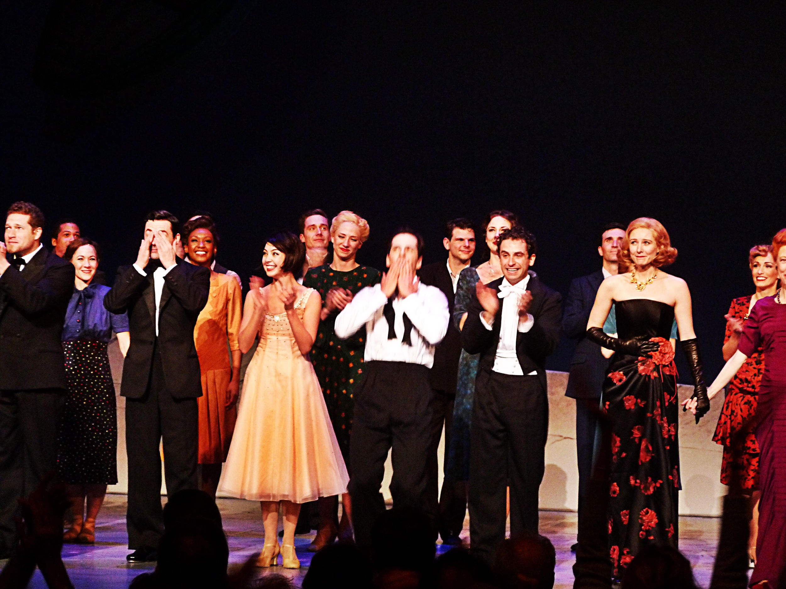 Max von Essen Leanne Cope Robert Fairchild Brandon Uranowitz Jill Paice on stage musical An American in Paris comédie musicale salut Théâtre du Chatelet Paris photo United States of Paris blog