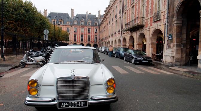 Visite insolite : revoir Paris à bord d'une Mercedes vintage ou 404 avec PARIS BALADE