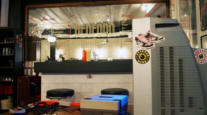 Diner Bedford Paris : le burger en mode 80's et son bar caché