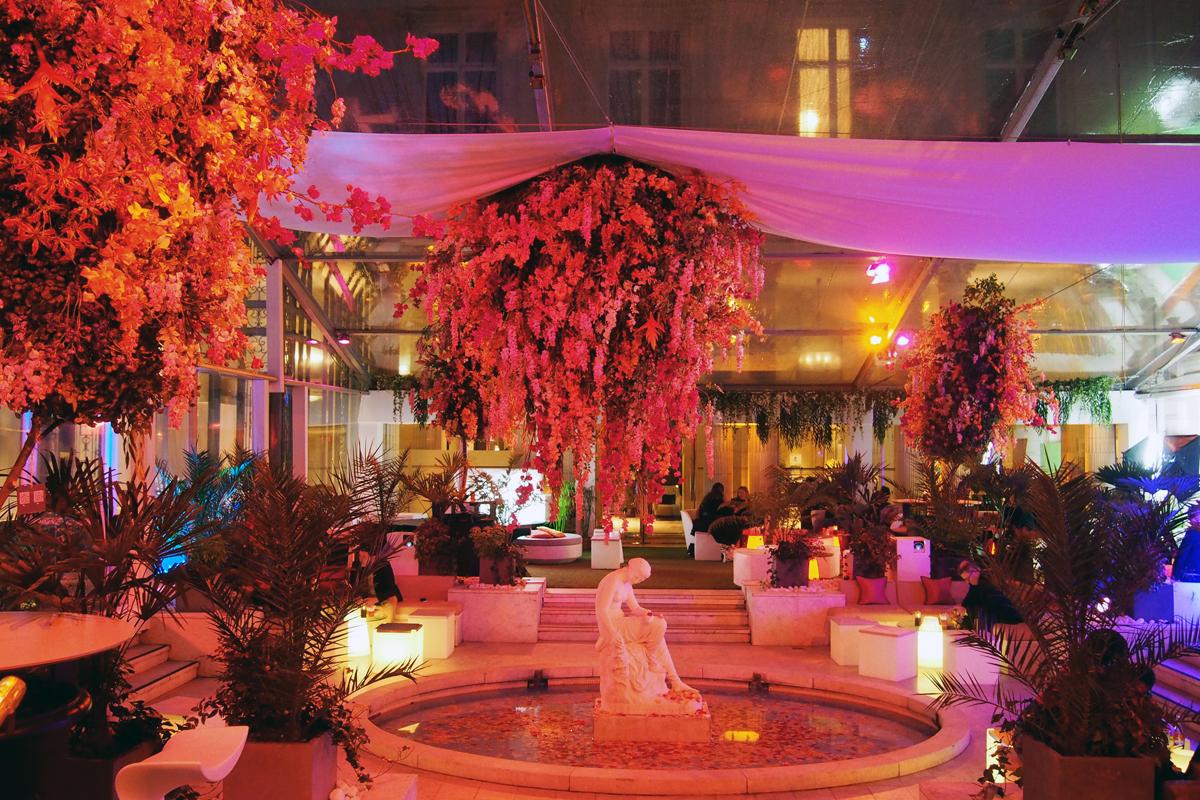 Terrasse Westin : Patio hotel The Westin Paris Vendome rue Castiglione