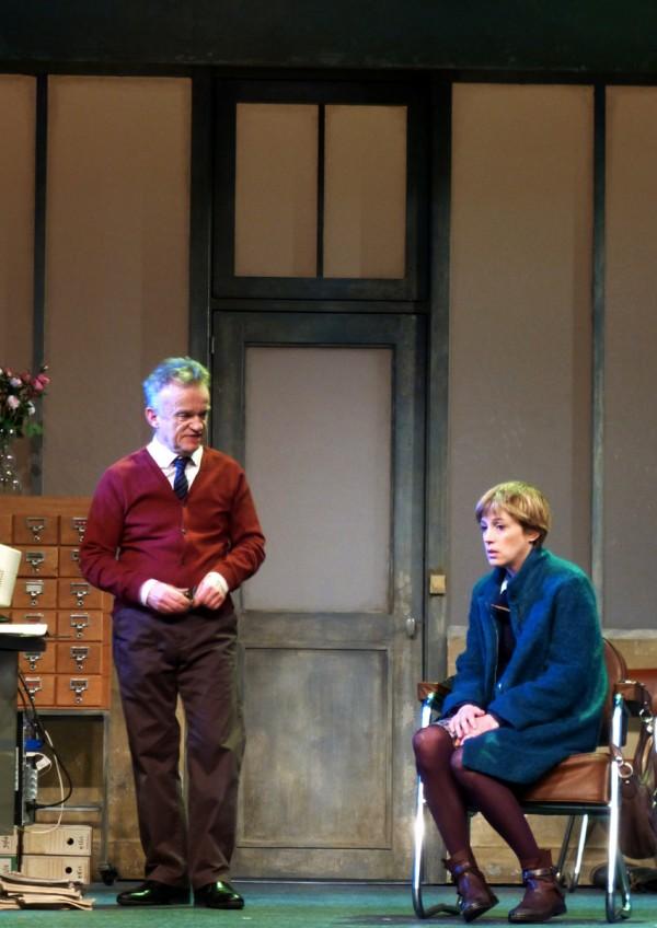 Les lois de la gravité Théâtre Herbetot Jean Teulé Dominique Pinon Florence Loiret Caille critique Paris By United States of Paris