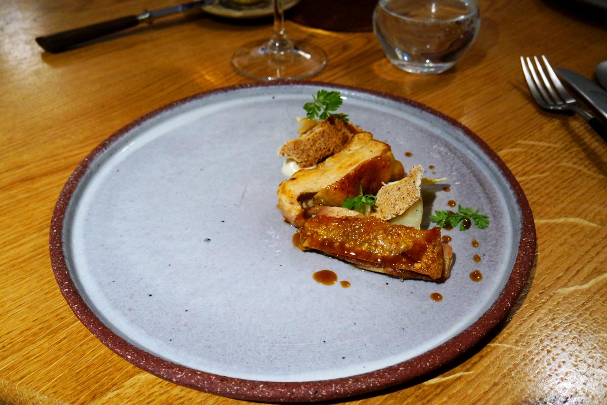 Poularde céleri plat restaurant David Toutain chef rue surcouf paris 7 déjeuner menu Eglantine étoile michelin photo by United States of Paris blog