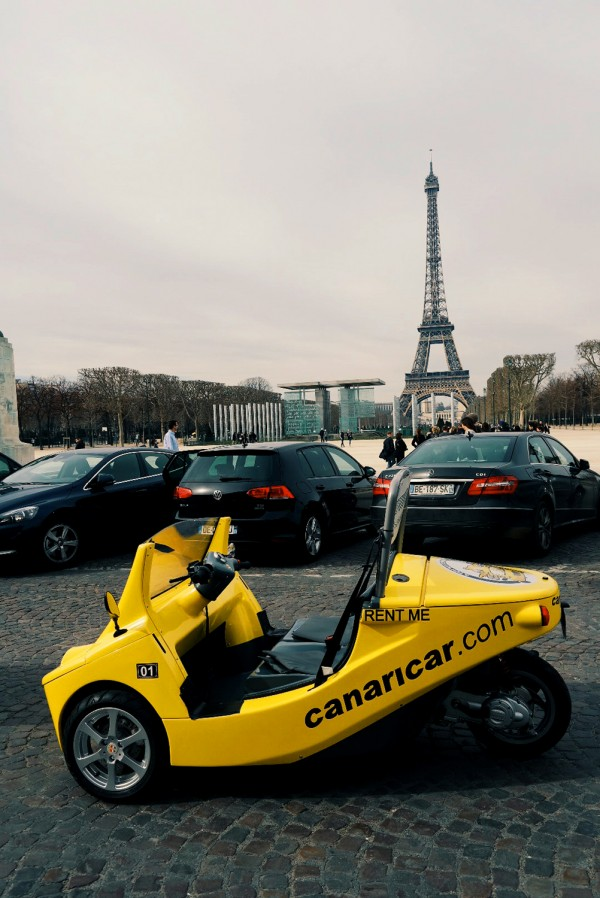 Canaricar Paris visite tour eiffel tower balade découverte touriste tourisme photo by United States of paris