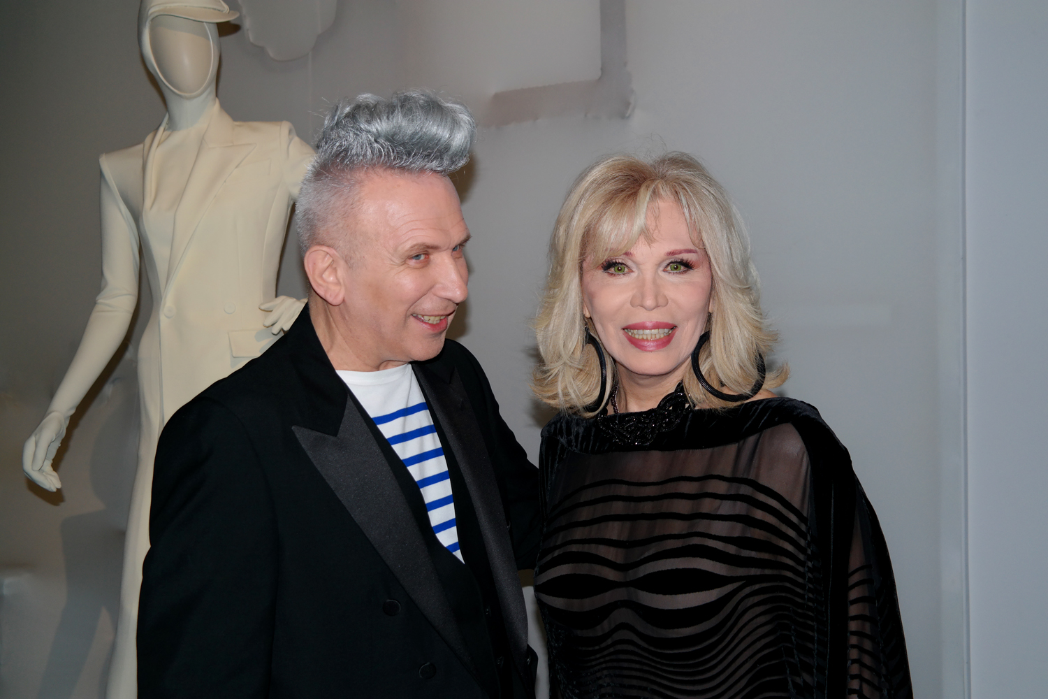 Jean-Paul-Gaultier-Amanda-Lear-vernisssage-exposition-Grand-Palais-Paris-VIP-muse-fashion-mode-photo-by-United-States-of-paris-blog