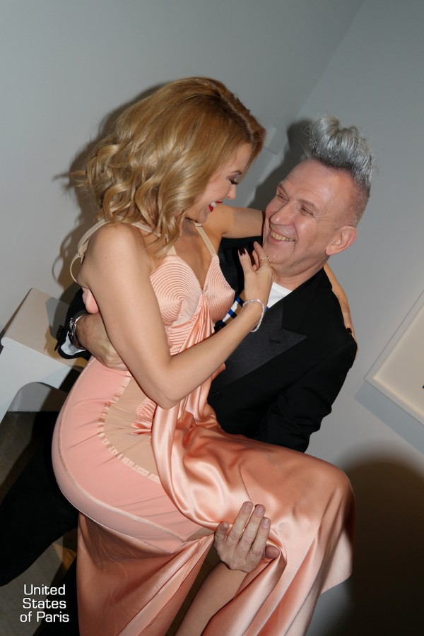 Kylie-Minogue-Jean-Paul-Gaultier-dress-fashion-opening-exhibition-smile-sexy-fashion-couture-exposition-VIP-Paris-photo-by-United-States-of-Paris-blog