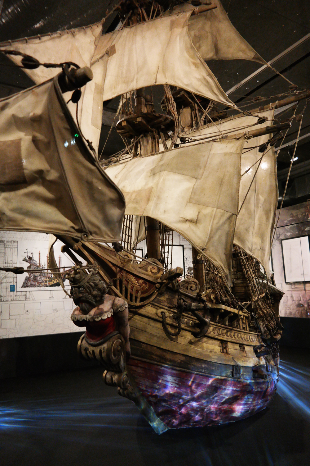 Aardman-exposition-Musée-art-ludique-paris-bateau-The-Pirates-Band-of-Misfits-boat-vessel-ship-set-phot-united-states-of-paris-blog