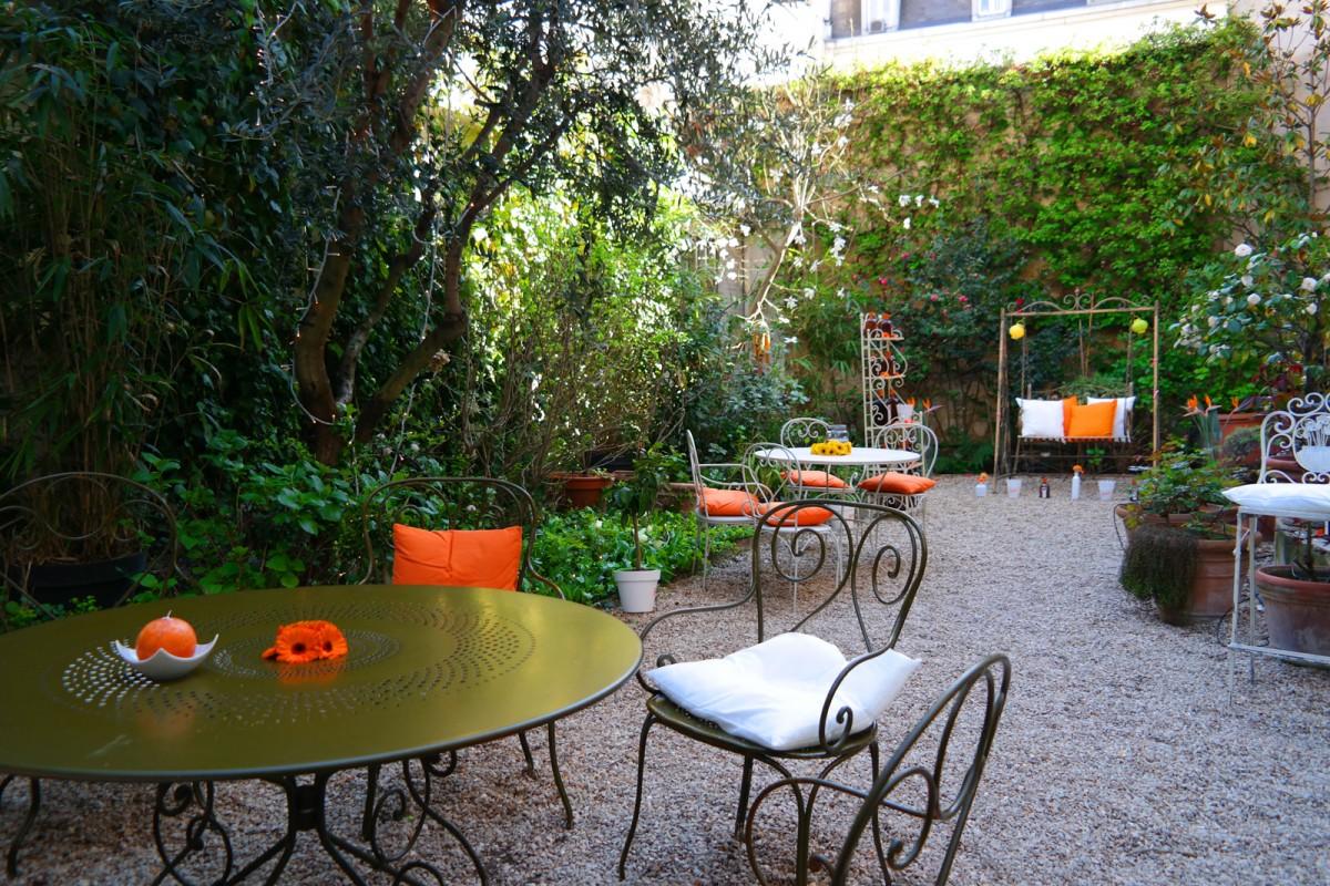 Cointreau Fizz privé soirée entre amis paris Jennifer Taïeb cocktail diner terrasse jardin appartement