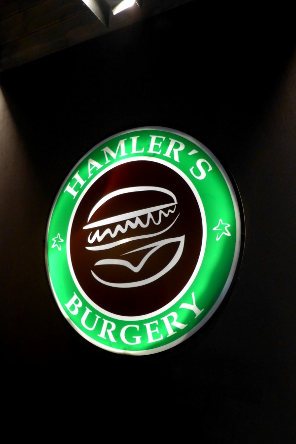 Hamler's Burgery restaurant rue monge paris fait maison burger tradition food home made  photo by United States of Paris