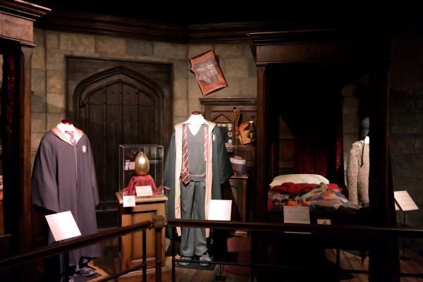 Harry Potter expo exposition paris cité du cinéma griffon d or chambre costume avis critique Photo by United States of Paris