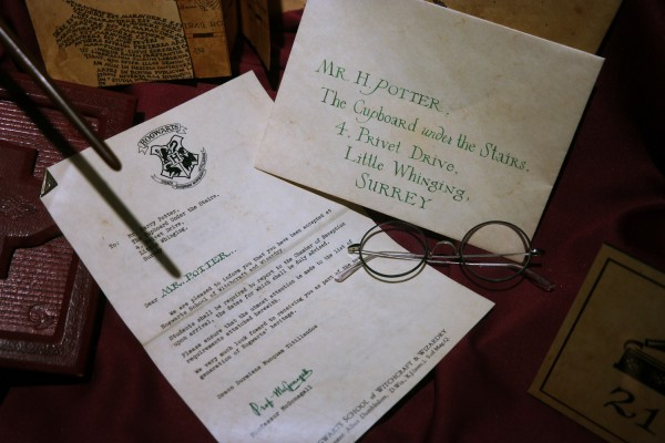 Harry Potter expo exposition paris cité du cinéma lettre poudlard costume avis critique Photo by United States of Paris