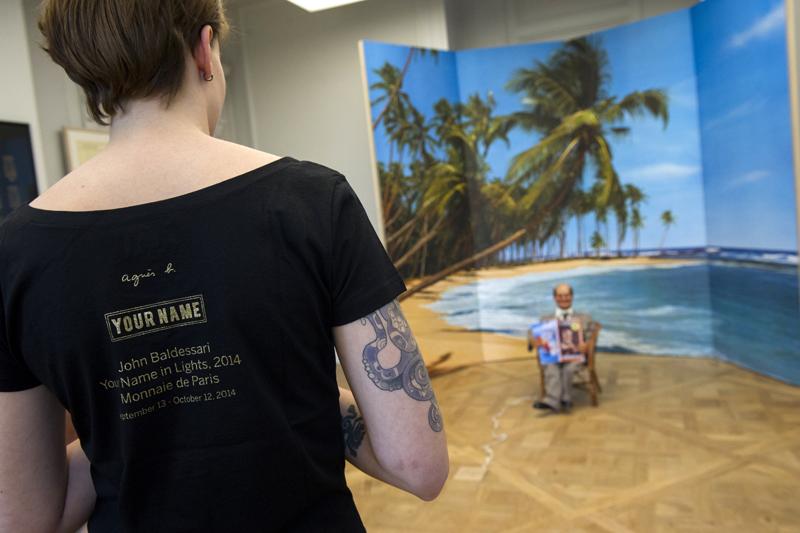 Médiatrice culturelle tatouée avec Monsieur Teste 1975 exposition Marcel Broodthaers Musée d art moderne département des aigles Monnaie de paris visite blogueurs