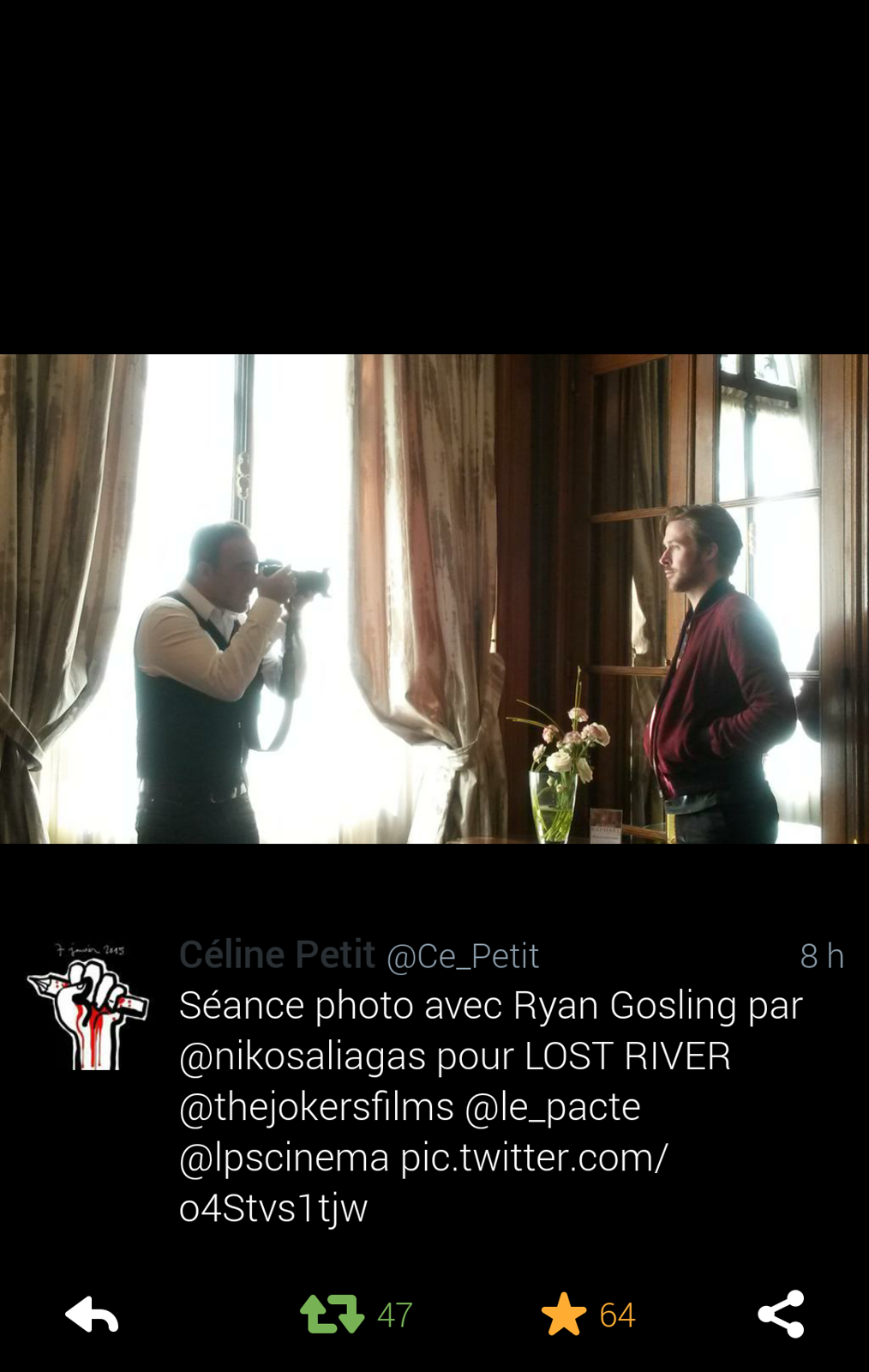 Séance photo Ryan Gosling par Nikos Aliagas pour Lost River premier film promo France Europe 1 photo twiter by Céline Petit