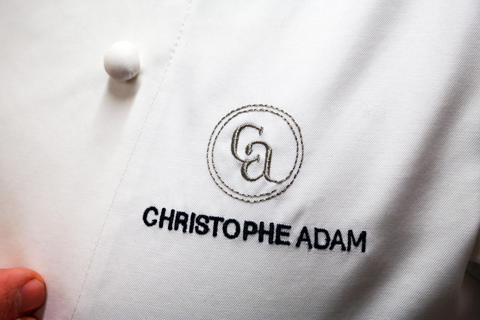 Veste-torse-de-Christophe-Adam-chef-patissier-L-Eclair-de-Génie-La-Fabrique-32-rue-notre-dame-des-victoires-paris-2e-photo-by-United-States-of-Paris-blog