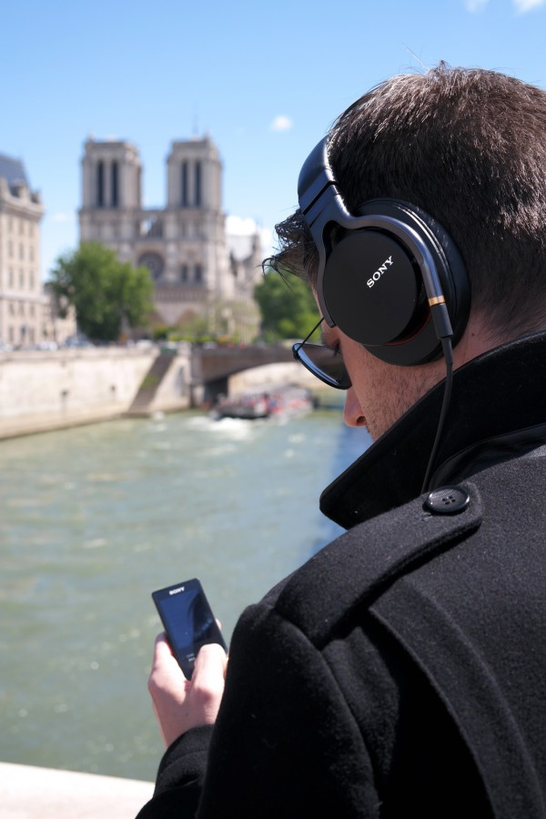 Sony casque MDR 1A Walkman NWZ A15 musique MP3 radio nomade technologie nouveauté innovation test critique avis revue Photo by United States Of Paris