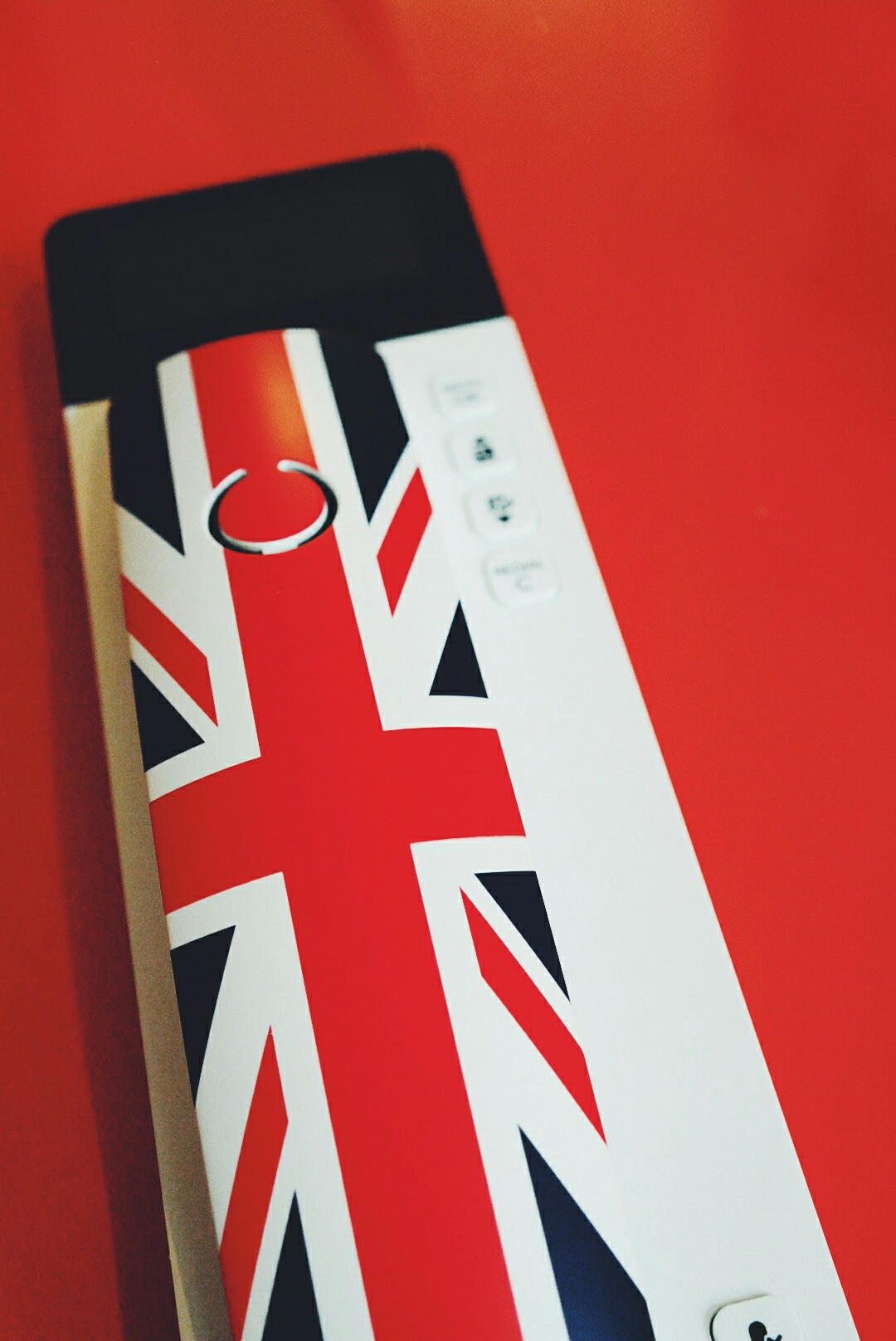 Téléphone fixe filaire design british Philips scala union jack phone Royaume Uni l appartement red édition paris photo by united states of paris blog