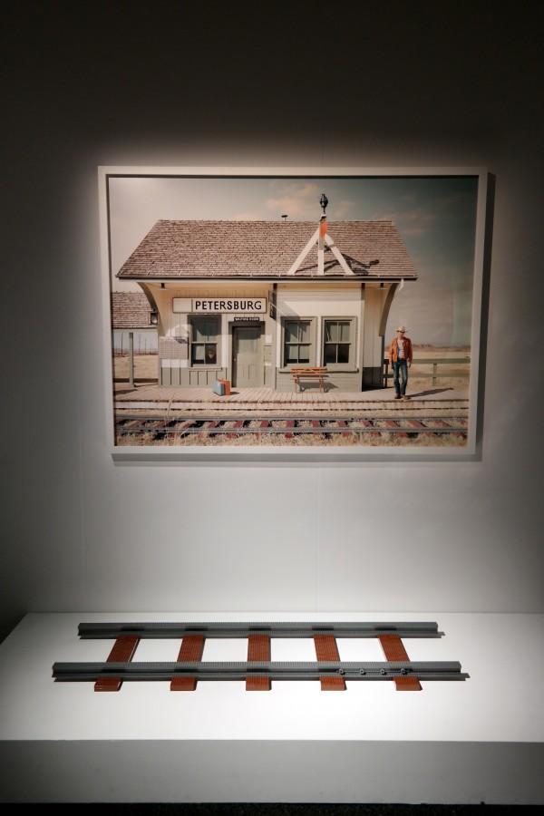 The art of the Brick  Nathan Sawaya art création briques lego critique avis  train photo by United States of Paris