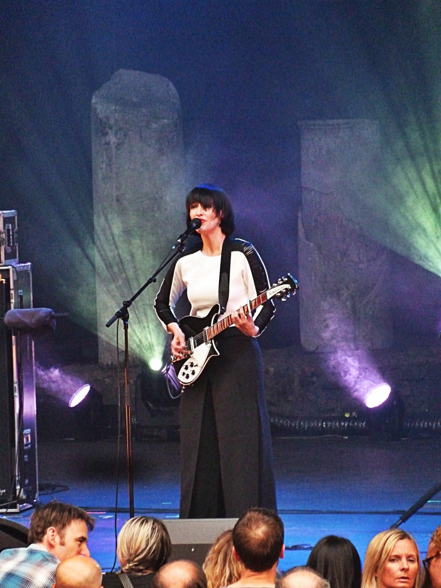 La Féline guitariste chanteuse Agnès Gayraud concert live festival Les Nuits de Fourvière Lyon photo by United States of Paris blog