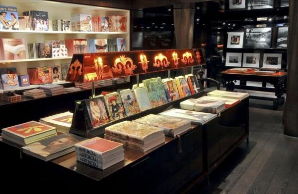 TASCHEN édition store vente privée Paris livre art culture concours selfie 2 rue de buci 75006 blog United States of Paris