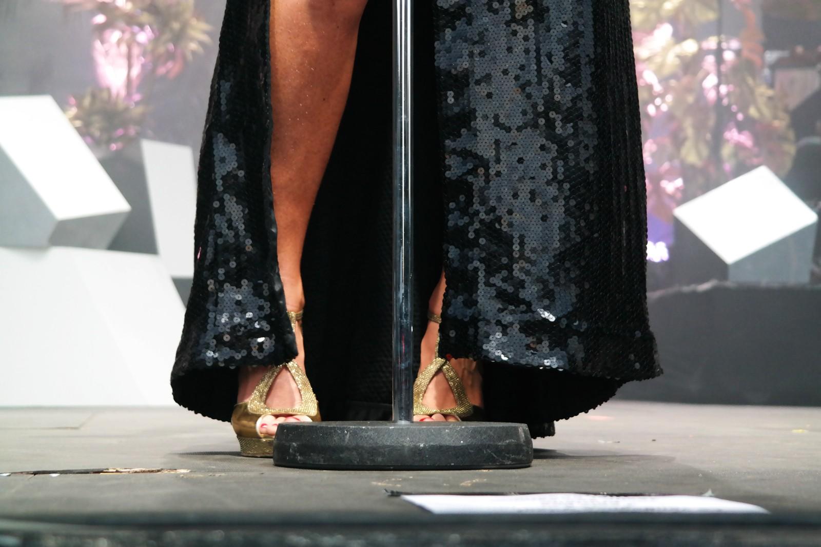 Brigitte-aux-pieds-d-Aurélie-Saada-live-concert-festival-fnaclive-2015-a-bouche-que-veux-tu-tour-sexy-glamour-fashion-photo-scène-by-united-states-of-paris-blog