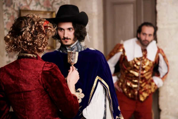 Le dernier bal de la reine Château de denonville Louix XIII théâtre spectacle live costumes acteurs intrigue Photo by Camille Treutenaere