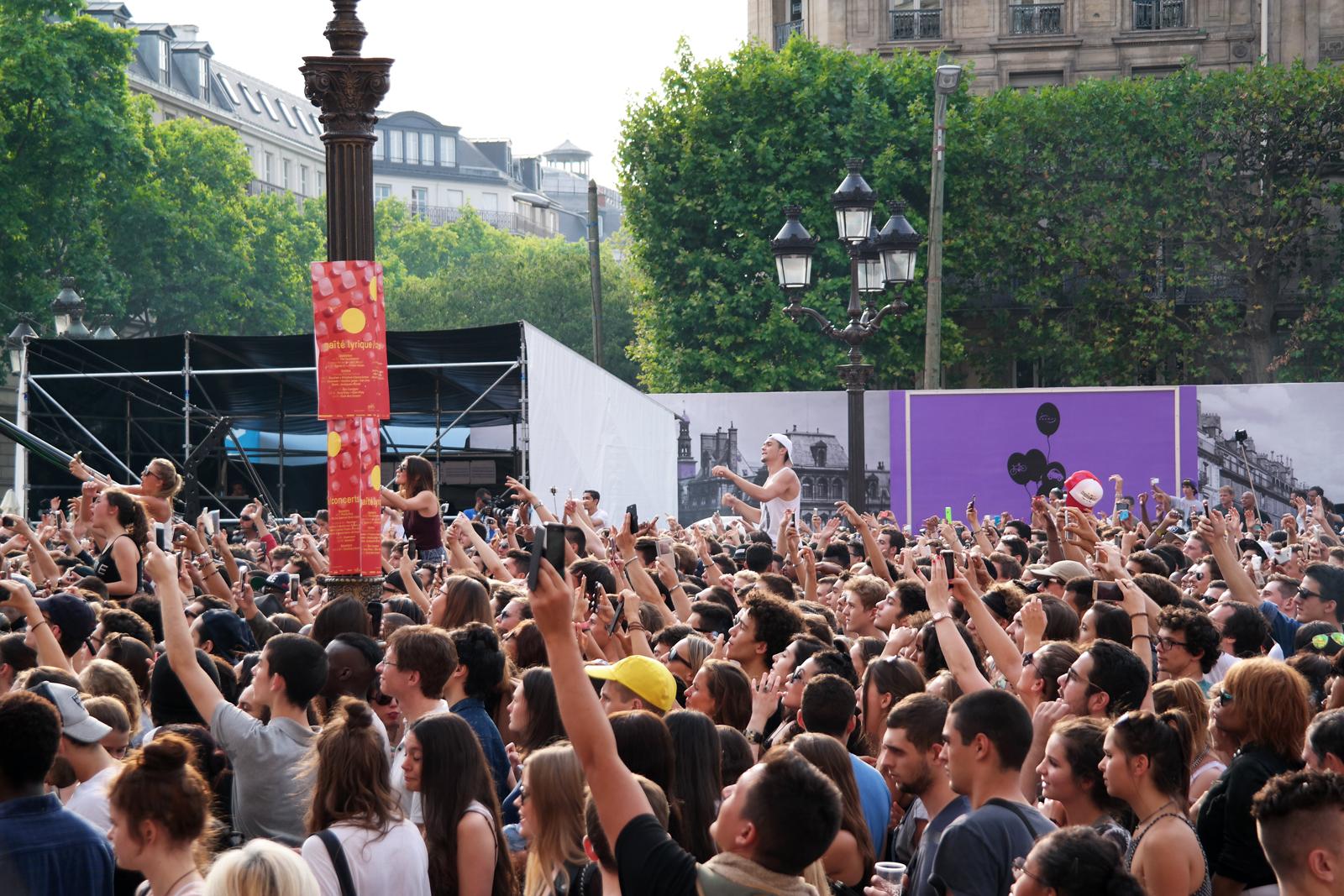 Public-Nekfeu-Ken-Samaras-rappeur-concert-fnaclive-2015-festival-live-tournée-feu-album-tour-stage-photo-scène-by-united-states-of-paris-blog