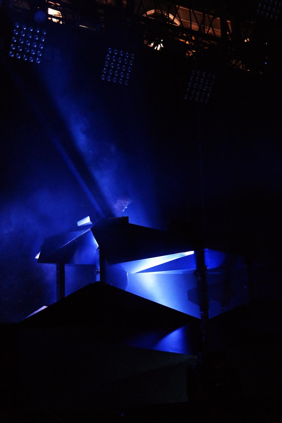 Rone-producteur-électro-concert-live-festival-fnaclive-2015-parvis-hotel-de-ville-Erwan-Castex-album-Creatures-photo-scène-by-united-states-of-paris-blog