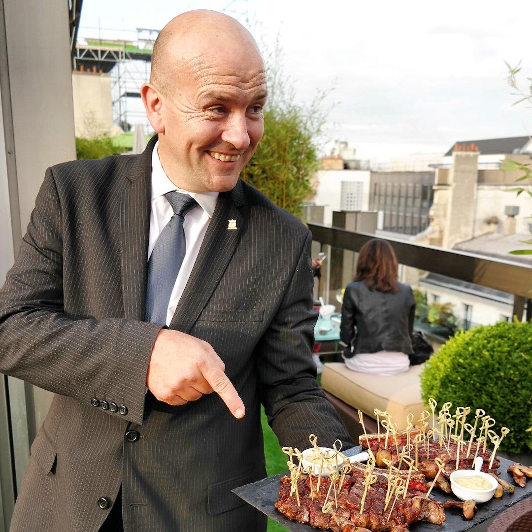 Yves Le Pezron, directeur du restaurant Le W