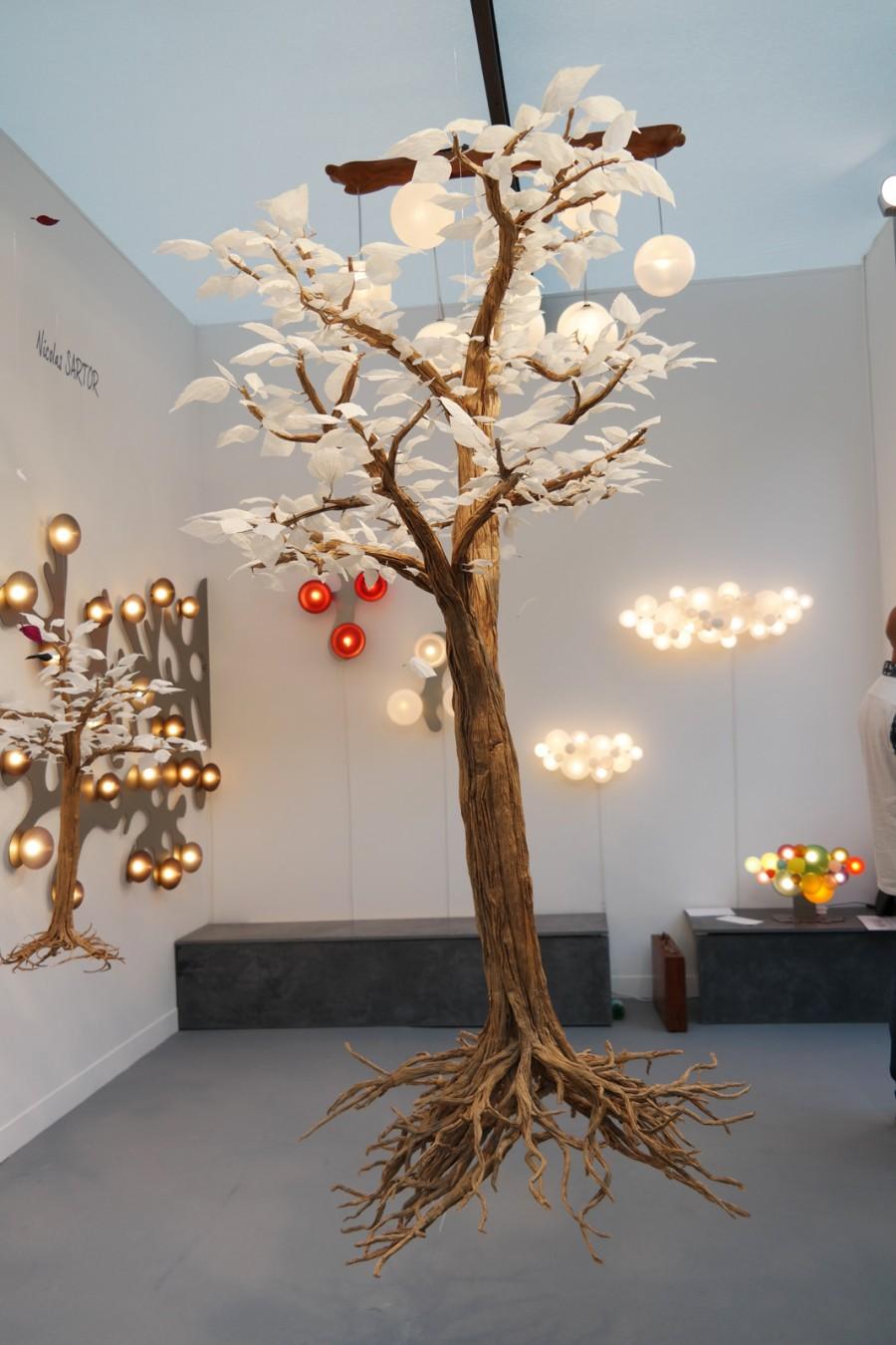arbre aux feuilles de papier kraft par charles macaire charlot cie et luminaires salon. Black Bedroom Furniture Sets. Home Design Ideas