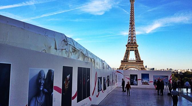 My Eiffel Tower is pink! Lancement d'Octobre Rose 2015 avec Frédérique Bel, Yelle, Sophie Davant et Cristina Cordula