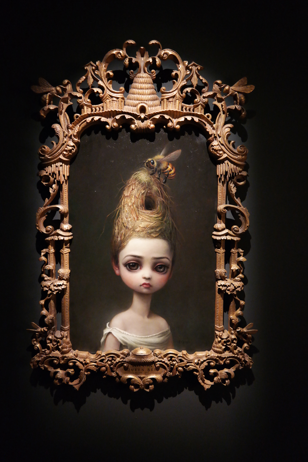 Hey! Act III exposition Halle saint pierre paris exhibition Queen Bee 2013 oil on canvas by Mark Ryden american painter collection privée photo usofparis