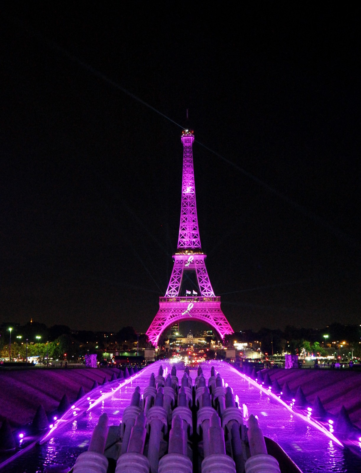 Illumination Tour Eiffel rose Pink Eiffel Tower pour Octobre Rose 2015 Ruban Rose soirée de lancement association Parlons-en cancer du sein photo usofparis blog
