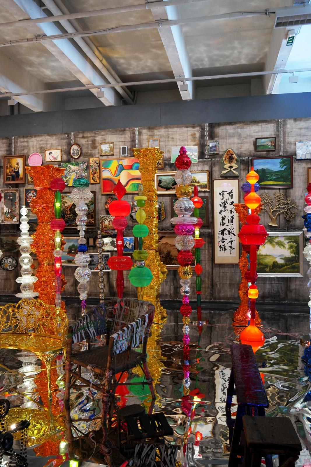 Réplique atelier maison artiste coréen Choi Jeong Hwa portrait pop art korean artist exposition Séoul vite vite au Tripostal Lille 3000 Renaissance année France Corée 2015-2016 exhibition