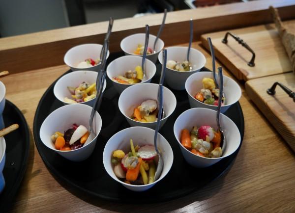 Botanique Restaurant Oberkampf avis critique ouverture cuisine feu de bois Légumes Façon Botanique anchois Photo by United States of Paris