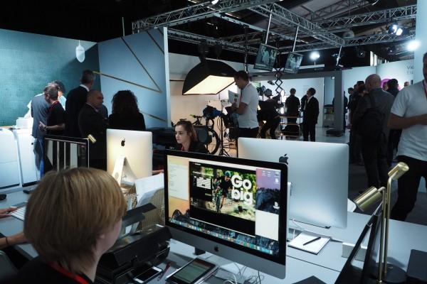 Canon Expo 2015 futur découverte Innovation promotion publicité vélo photo by United States of Paris