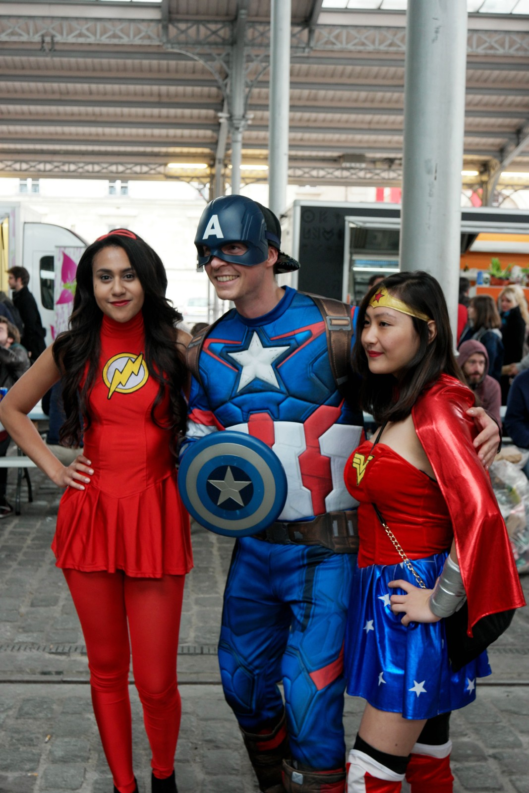 Captain America Super woman Comic Con Paris cosplay festival 2015 Grande Halle de la Villette photo united states of paris blog