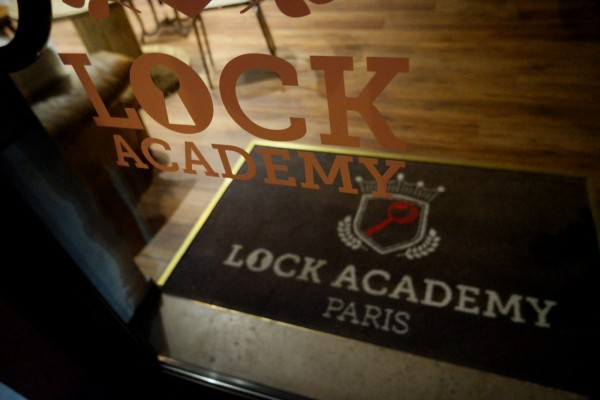 Lock Academy Escape Game intéractif Cluedo enigme jeu fun Photo by United States of Paris
