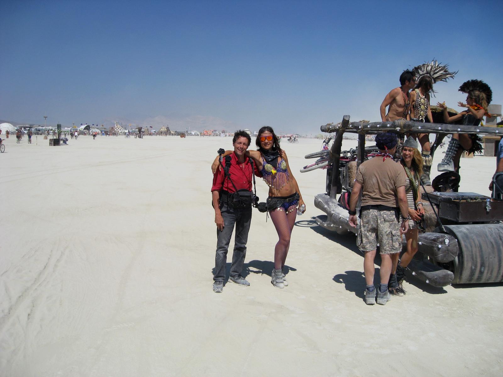 Antoine de Maximy au festival Burning Man DVD J irai dormir chez l homme qui brule désert de Black Rock au Nevada avec Bonus et scènes coupées