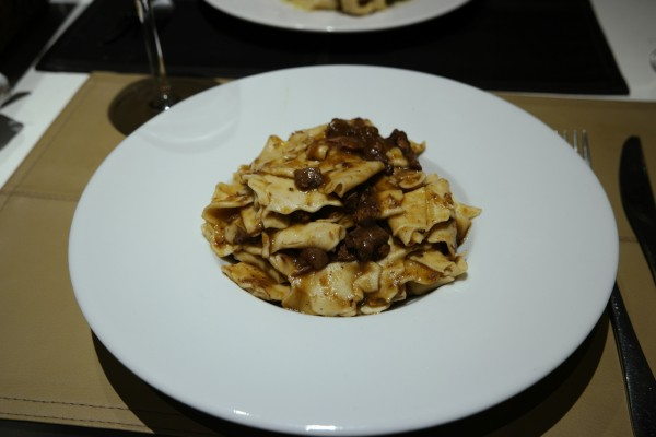Oliva restaurant italien trattoria pasta avis critique fait maison rue des saussaies Photo by blog United states of paris