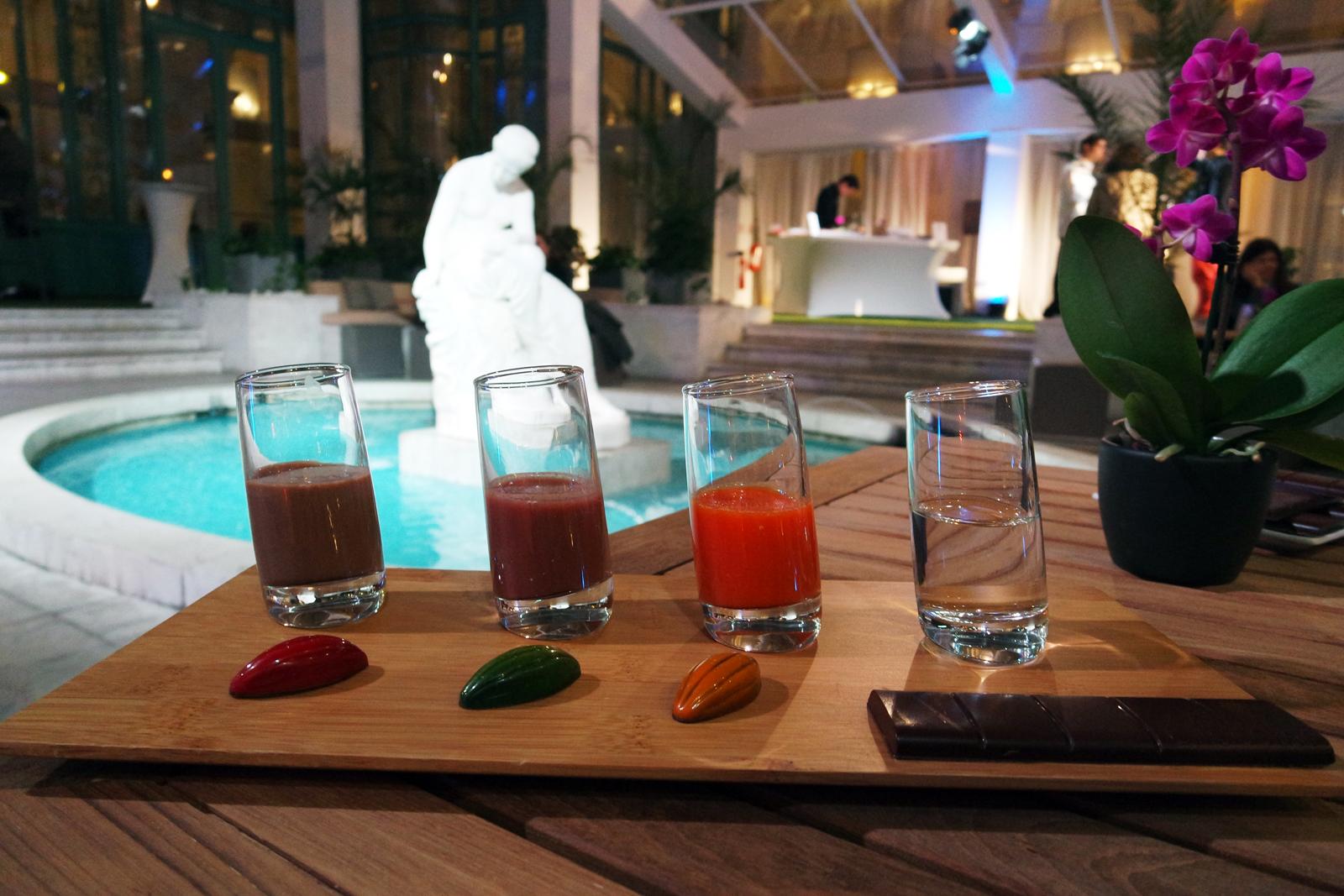 Sélection de cocktails du bar du Westin Paris-Vendôme Hotel avec fèves chocolat noir 66 pour cent origine Mexique oeuf de Pâques QUETZALCOATL dégustation photo usofparis blog